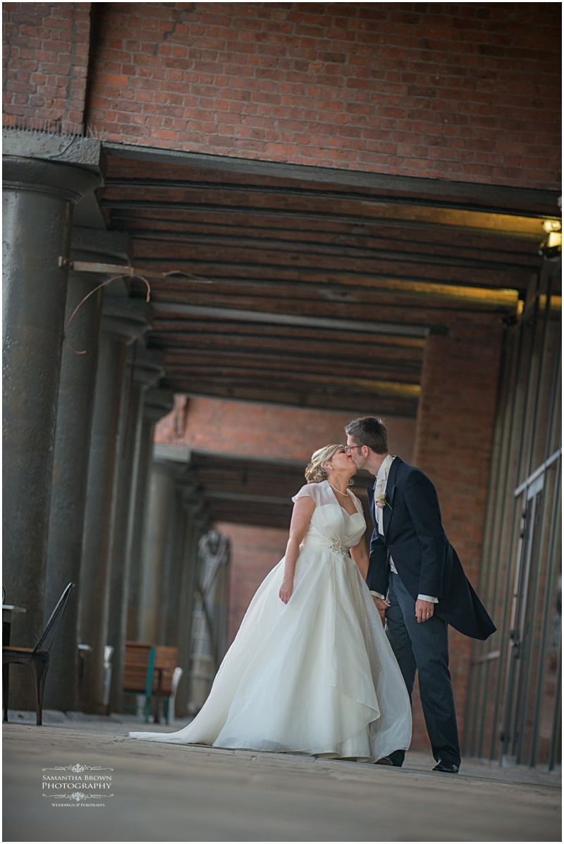 Titantic Hotel wedding Liverpool by Samantha Brown_0095