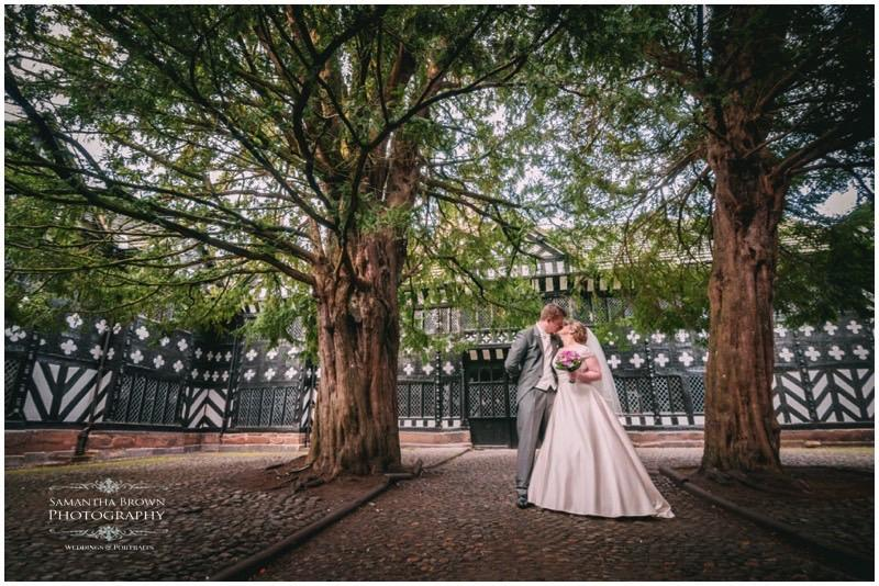 Laura & Mike's Speke Hall Wedding by Samantha Brown Photography_0025